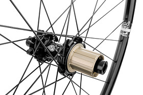 s1600_OOZY_TRAIL295_WHEELSET_BLACK1.jpg