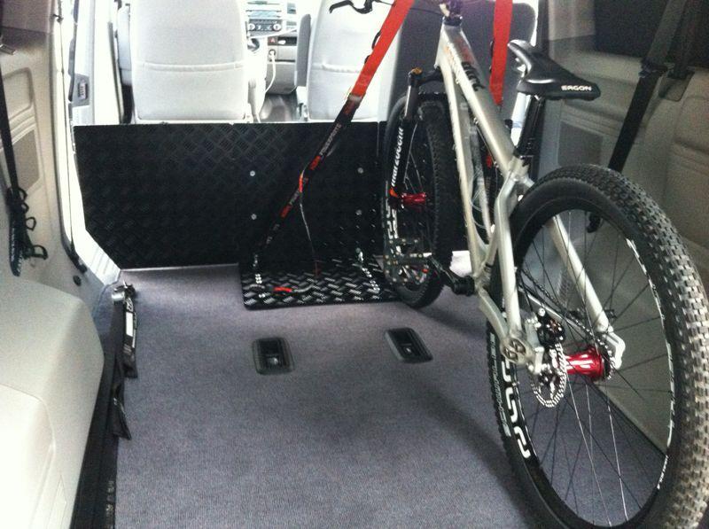 mwp fahrrad halteplatte f r vw t5 caravelle bikemarkt. Black Bedroom Furniture Sets. Home Design Ideas