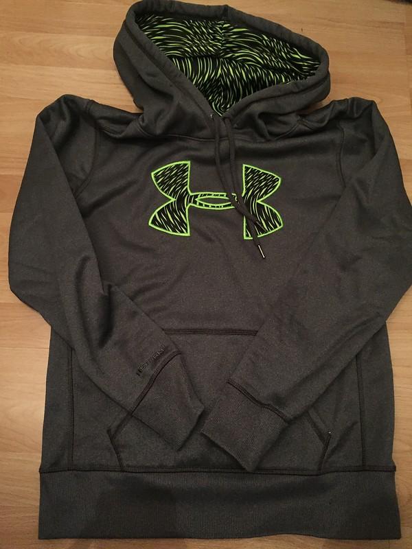under armour damen fitness sweatshirt big logo applique. Black Bedroom Furniture Sets. Home Design Ideas