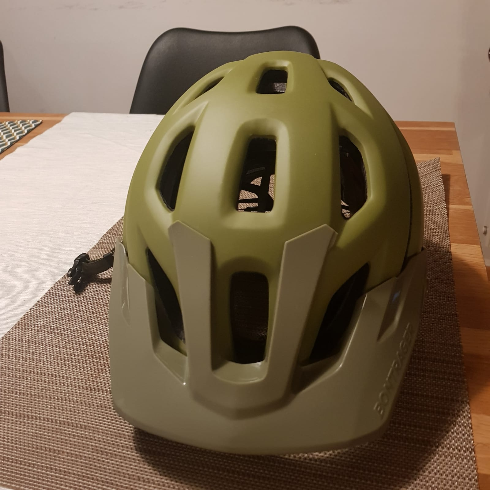 bontrager rally enduro mtb helm gr e m bikemarkt mtb. Black Bedroom Furniture Sets. Home Design Ideas