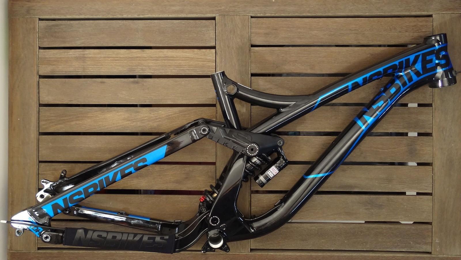 NS Bikes FUZZ DH Rahmen NEU - Größe M | Bikemarkt.MTB-News.de