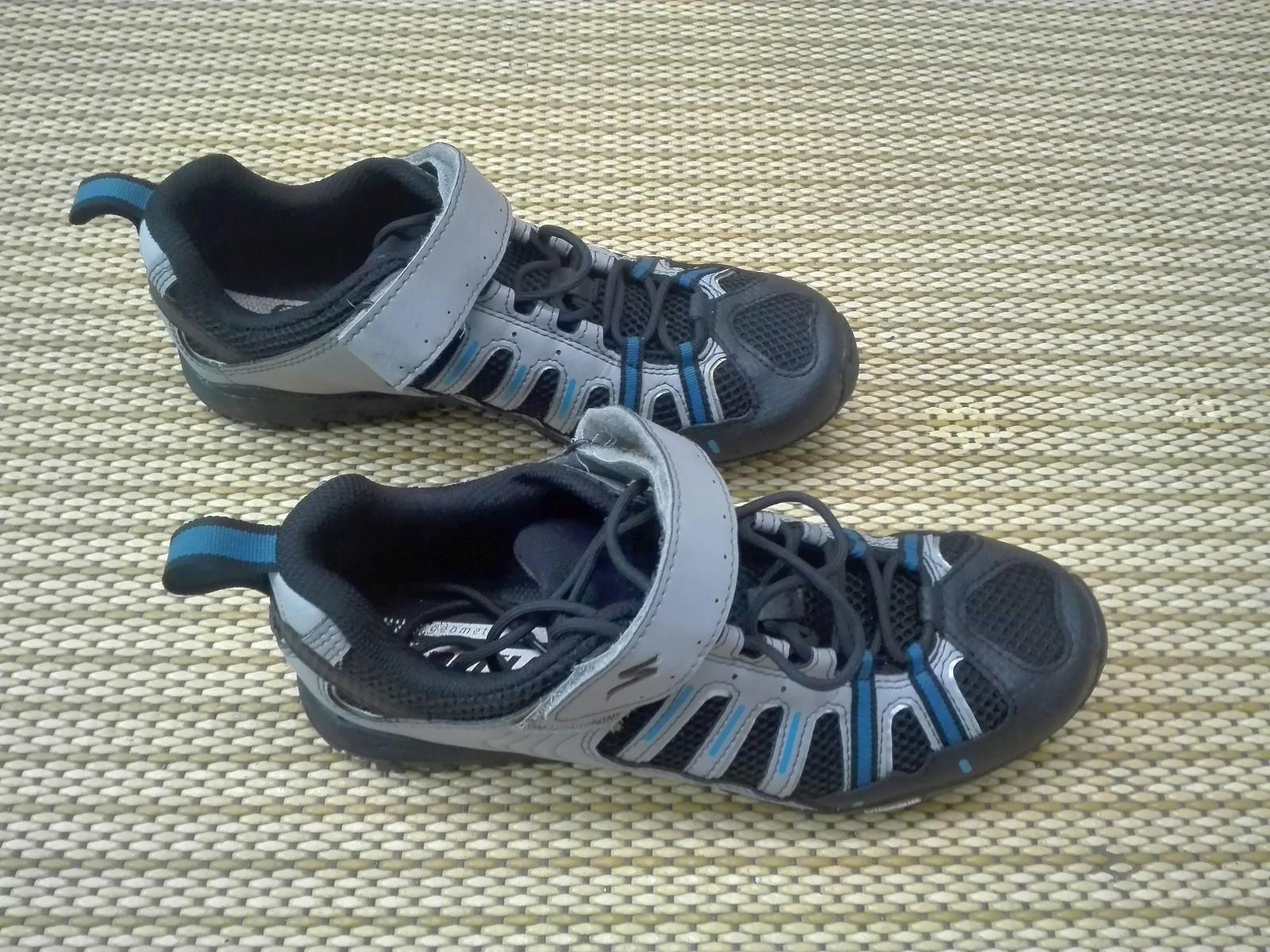 11f32c6693f347 Specialized Tahoe Sport MTB Schuh Gr. 40 - grau blau