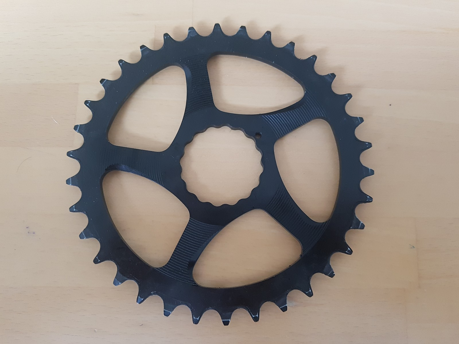 RaceFace Cinch Direct Mount Oval Narrow//Wide Chainring 34T Black