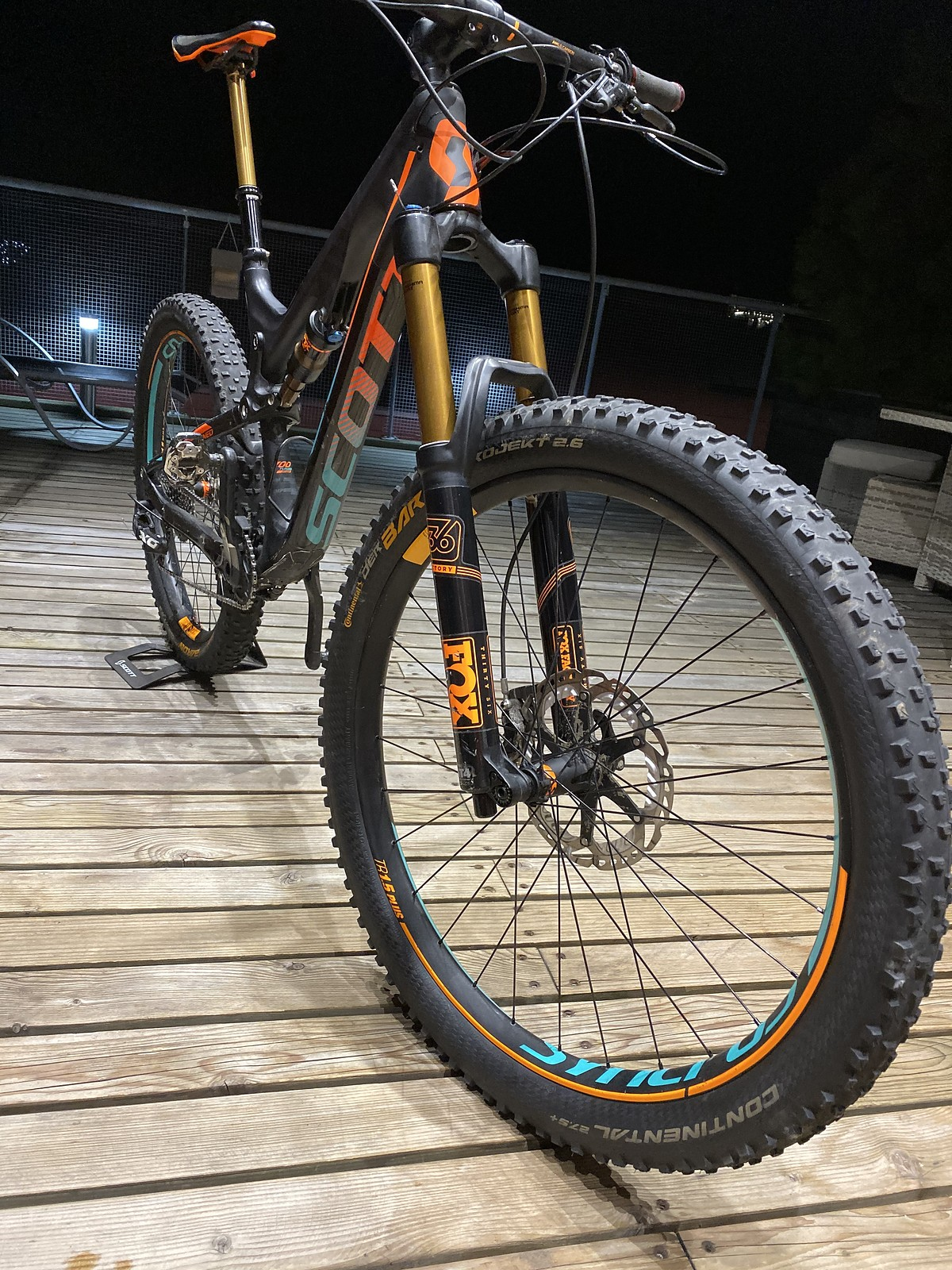 Scott Genius LT 700 Tuned Plus gr. L   Bikemarkt.MTB-News.de